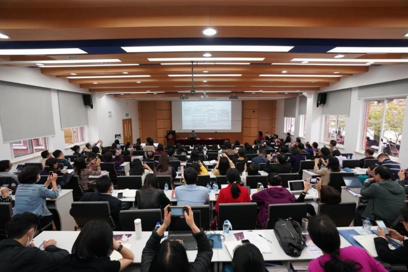 上海高校课程思政高级研修班在上海交大开班